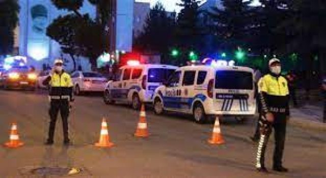 Kars'ta şüpheli çanta polisi alarma geçirdi