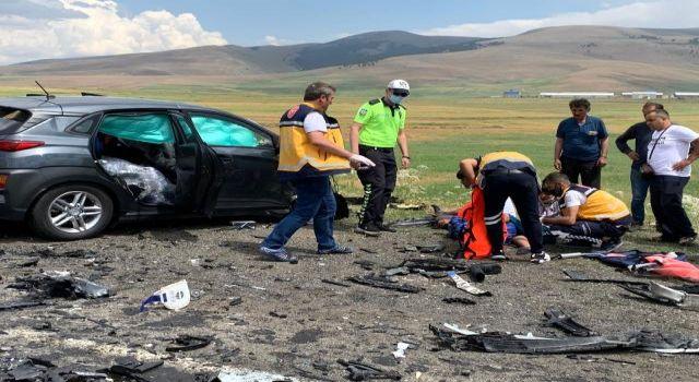 Kaza sonrası anayolsavaş alanınadöndü   Sarıkamış Haber