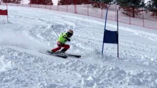 Alp Disiplini kayak müsabakaları Sarıkamış Cıbıltepe Kayak Merkezi'nde başladı