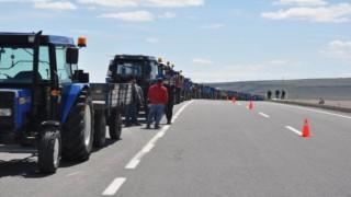 Digor'da 800 Adet Reflektör Ücretsiz Dağıtıldı | Kars Haber