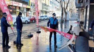 Kars Belediyesi Kaldırım İşgali Yapan Esnafı Uyardı