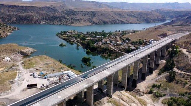 Ahmet Arslan Yeni Bölünmüş Erzurum-kars-Iğdır Yolunun Kasım'da Açılacak